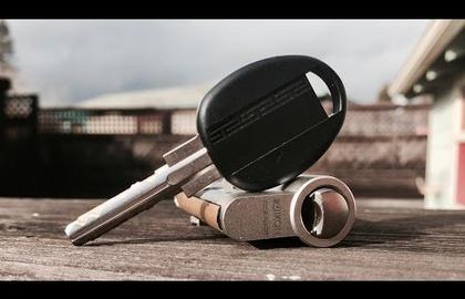 Взлом отмычками IKON   IKON VERSO - Pick & Gut (IKON VERSO without the CLIQ mechanism kindly on loan to me from Potti314. This lock was difficult to pick!Check out Potti314 (Время взлома: 12 мин.)